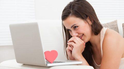 Die 10 besten Flirttipps zum Flirten auf Singlebörsen